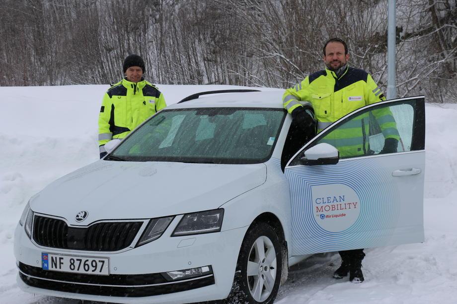 Hansen og Dahl ved biogassbil